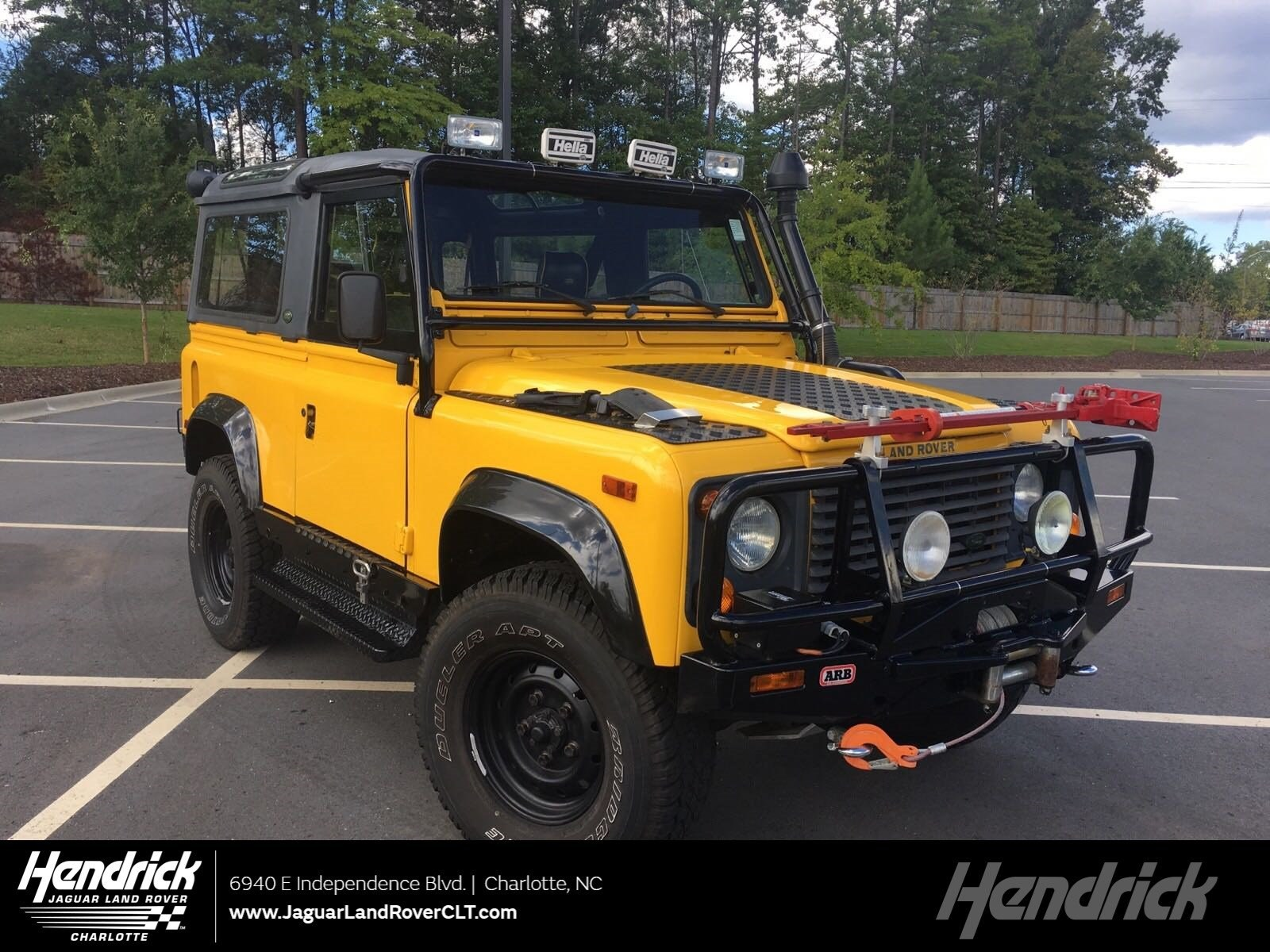 Photo 1995 Land Rover Defender 90 2dr Convertible Convertible in Franklin, TN