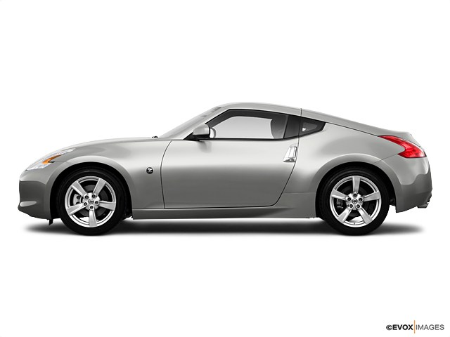 Photo Used 2010 Nissan 370Z Base Coupe for sale in Oakland, CA
