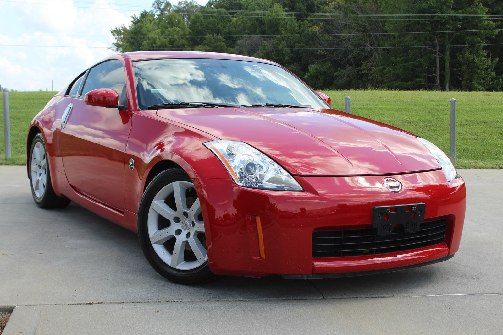 Photo 2004 Nissan 350Z Touring Coupe in Franklin, TN