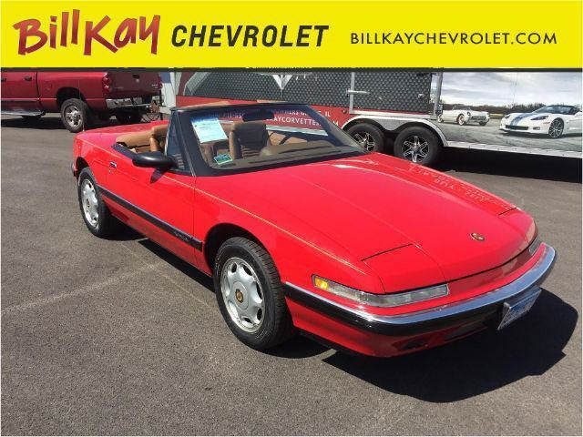 Photo Pre-Owned 1991 Buick Reatta FWD 2D Convertible