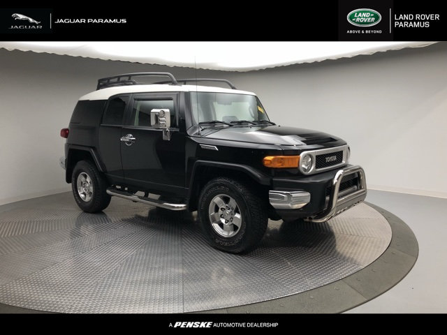 Photo Pre-Owned 2008 Toyota FJ Cruiser 4DR 4WD AT Four Wheel Drive SUV