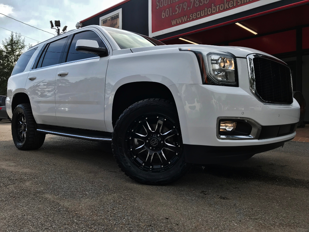 Photo 2015 GMC Yukon SLE 4WD CUSTOM LEVELED