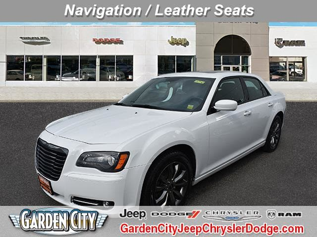 Photo Certified Used 2014 Chrysler 300 300S Sedan For Sale  Hempstead, Long Island, NY