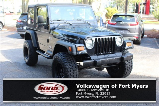 Photo Used 2004 Jeep Wrangler X 2dr in Fort Myers
