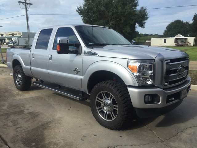 Photo 2016 Ford Super Duty F-250 Crew Cab 4WD Platinum