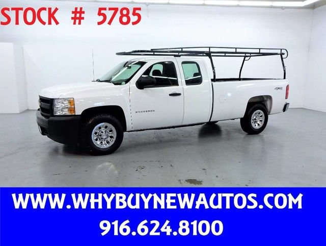 Photo 2010 Chevrolet Silverado 1500  4x4  Extended Cab  Only 52K Miles