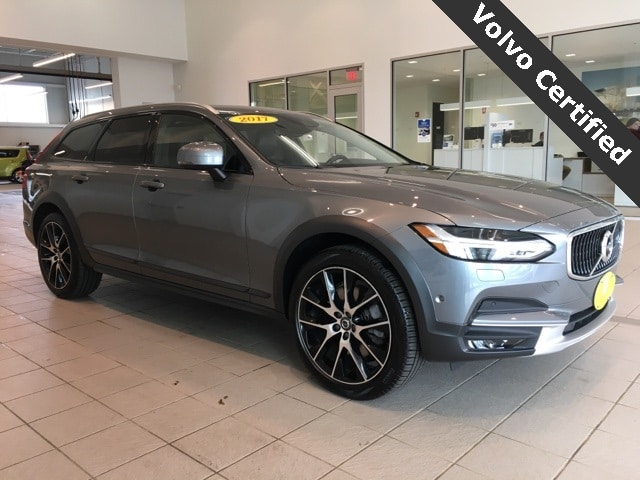 Photo 2017 Volvo V90 Cross Country T6 AWD in West Springfield MA