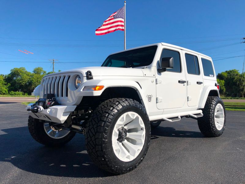 Photo Used 2018 Jeep All-New Wrangler Unlimited JL WHITE-OUT CUSTOM LIFTED LEATHER HARDTOP