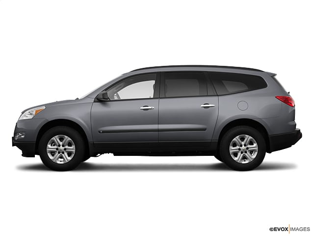 Photo Used 2009 Chevrolet Traverse LS For Sale in Lincoln, NE