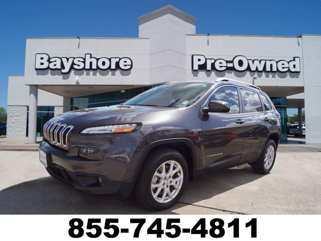 Photo 2016 Jeep Cherokee FWD Latitude FWD SUV in Baytown, TX Please call 832-262-9925 for more information.