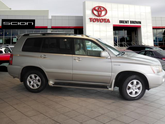 Photo Pre-Owned 2002 Toyota Highlander Limited 4WD Sport Utility