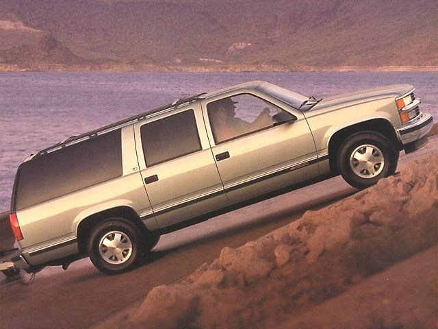 Photo Used 1998 Chevrolet Suburban 1500 4DR 4WD 1500 for Sale in Missoula near Orchard Homes