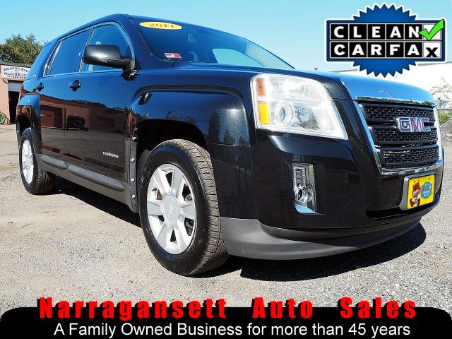 Photo 2011 GMC Terrain SLE Auto Air Full Power Black On Black Super Clean