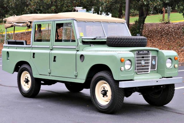 Photo 1981 Land Rover Series III 109 Soft Top
