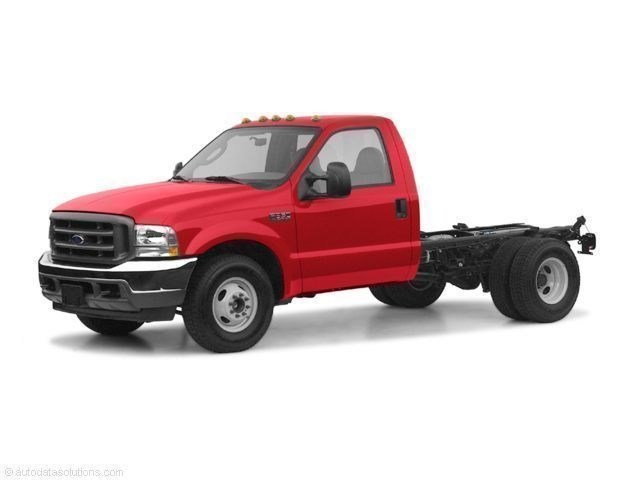Photo Used 2004 Ford F-350 Chassis Truck Regular Cab in Merced, CA