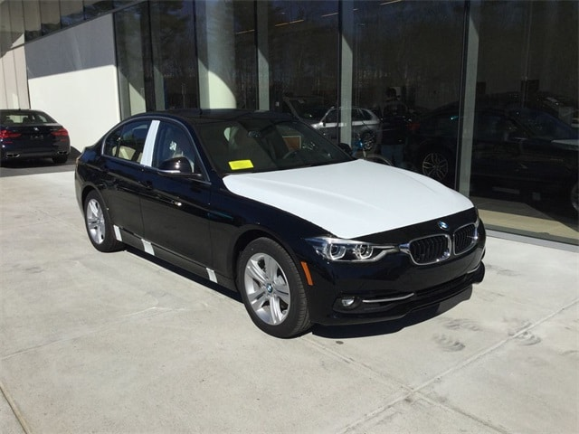 Photo Certified 2018 BMW 3 Series 330i xDrive for sale in MA