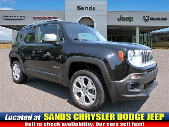 Photo 2015 Jeep Renegade Limited SUV For Sale in Quakertown, PA