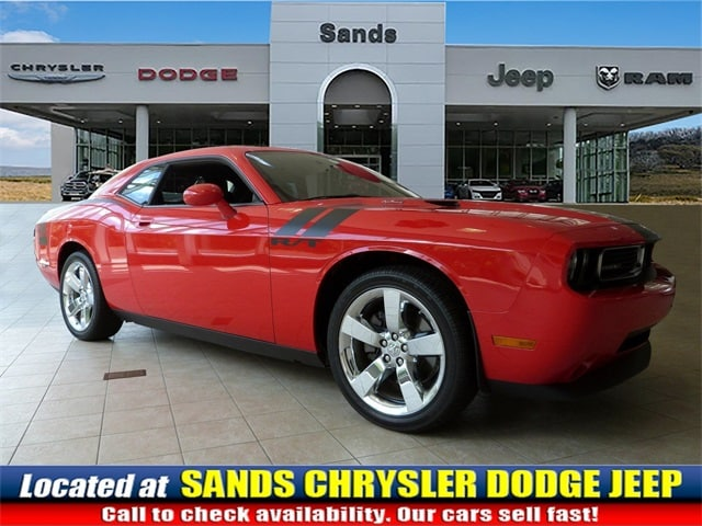 Photo 2009 Dodge Challenger RT Coupe For Sale in Quakertown, PA
