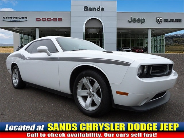 Photo 2013 Dodge Challenger SXT Coupe For Sale in Quakertown, PA