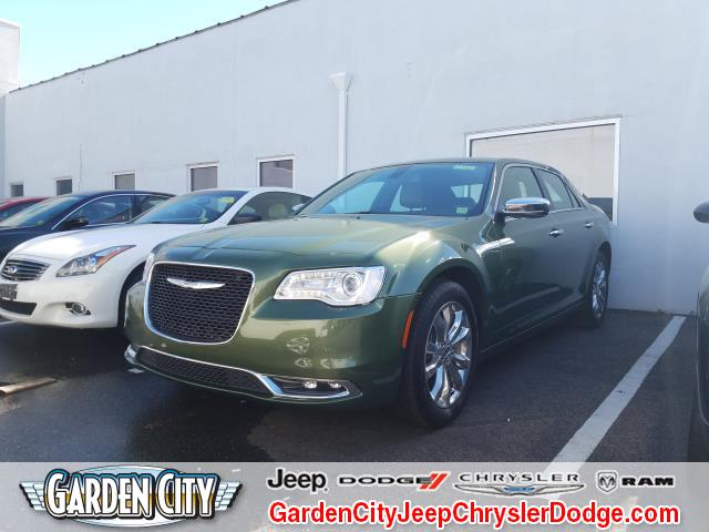 Photo Used 2018 Chrysler 300 Limited Limited AWD For Sale  Hempstead, Long Island, NY