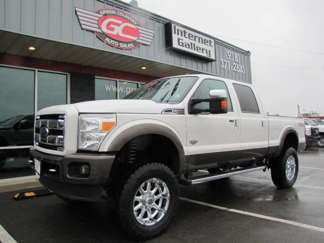 Photo 2015 Ford Super Crew F-250 FX4 4x4 Diesel Lifted King Ranch Loaded