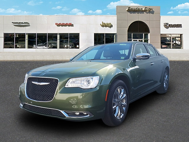 Photo Certified Used 2018 Chrysler 300 Limited Limited AWD For Sale  Hempstead, Long Island, NY