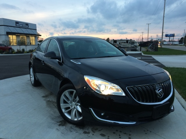 Photo Pre-Owned 2015 Buick Regal Turboe-Assist Premium I With Navigation