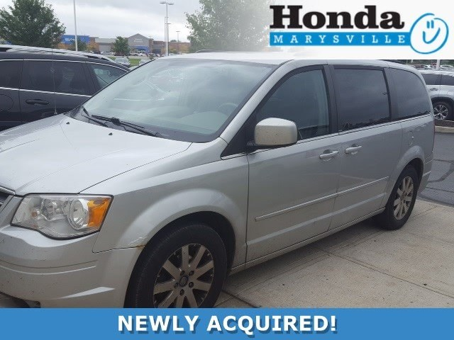 Photo Used 2008 Chrysler Town  Country Touring Van