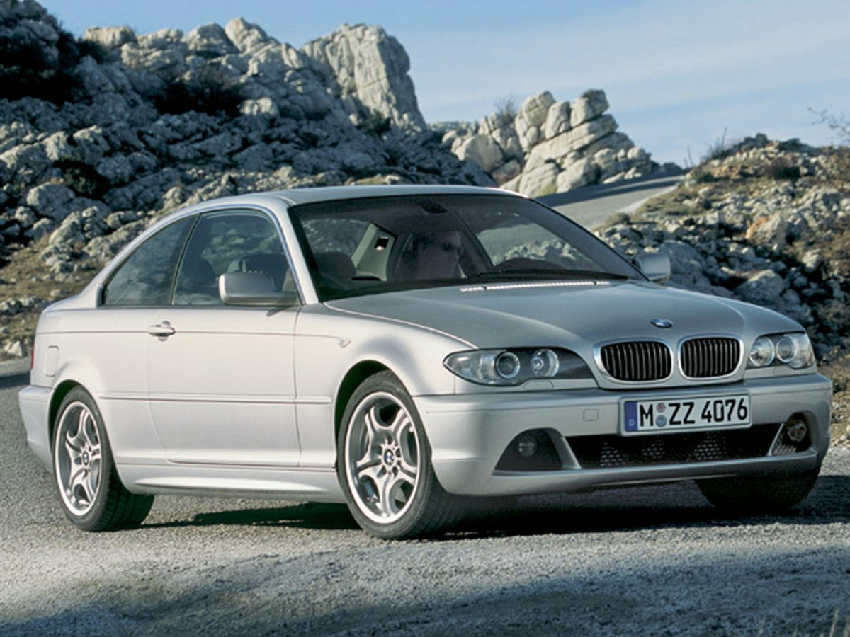 Photo Used 2005 BMW 3 Series 330Ci Coupe RWD For Sale in Houston