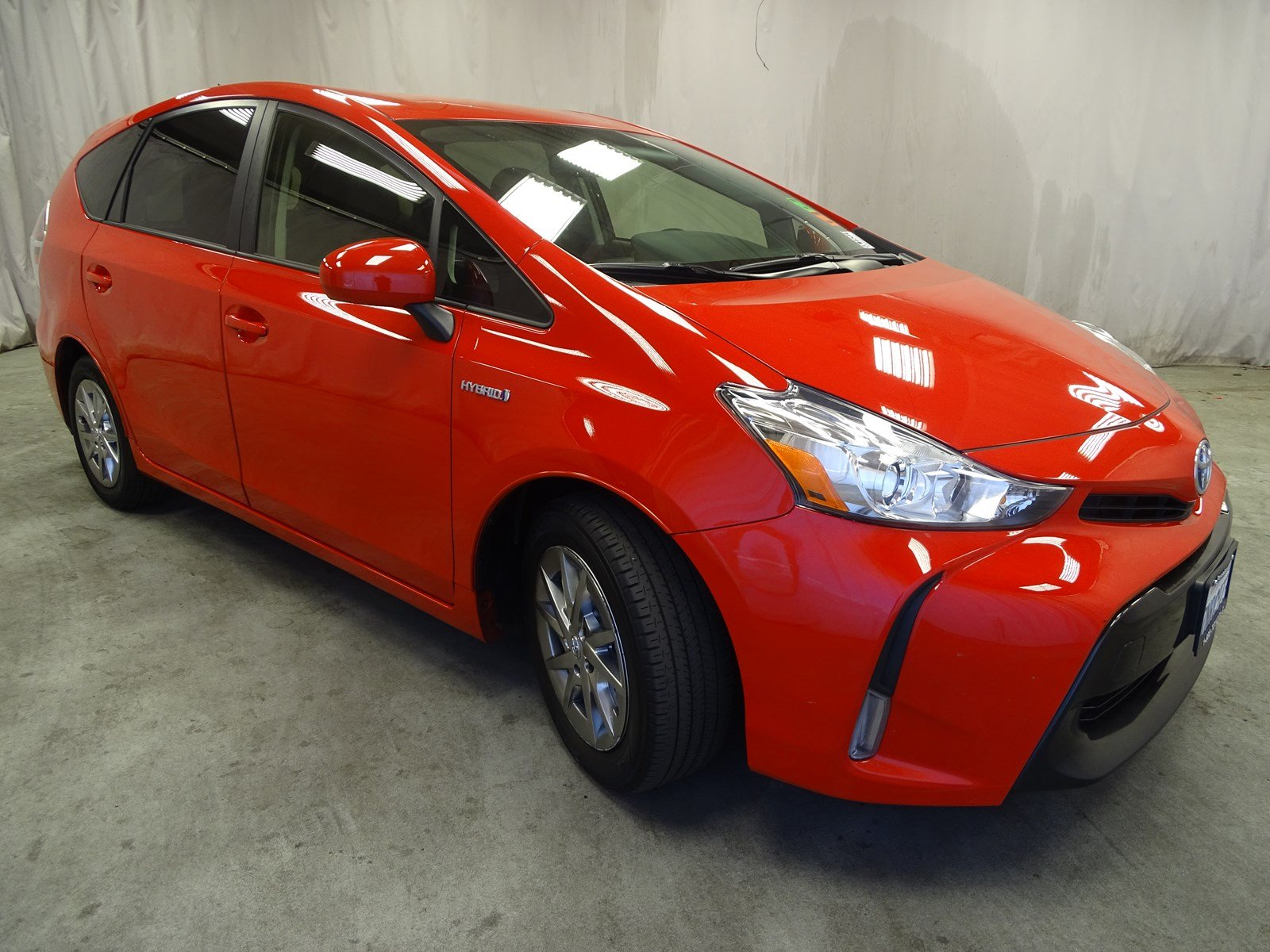 Photo Used 2015 Toyota Prius v Three For Sale in Sunnyvale, CA
