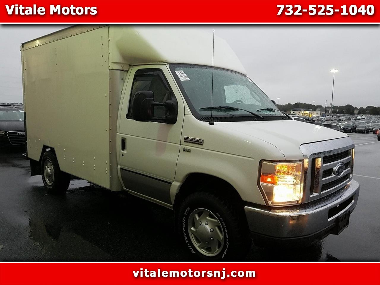 Photo 2011 Ford Econoline E-350 CUBE VAN  BOX TRUCK