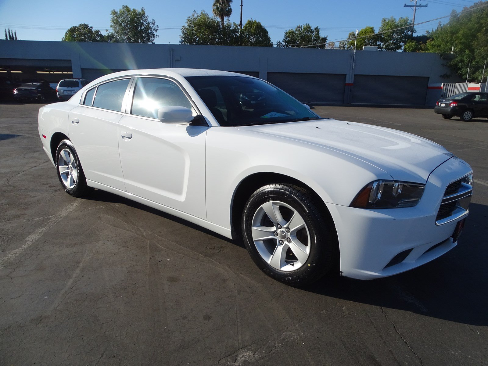 Photo Used 2014 Dodge Charger SE For Sale in Sunnyvale, CA