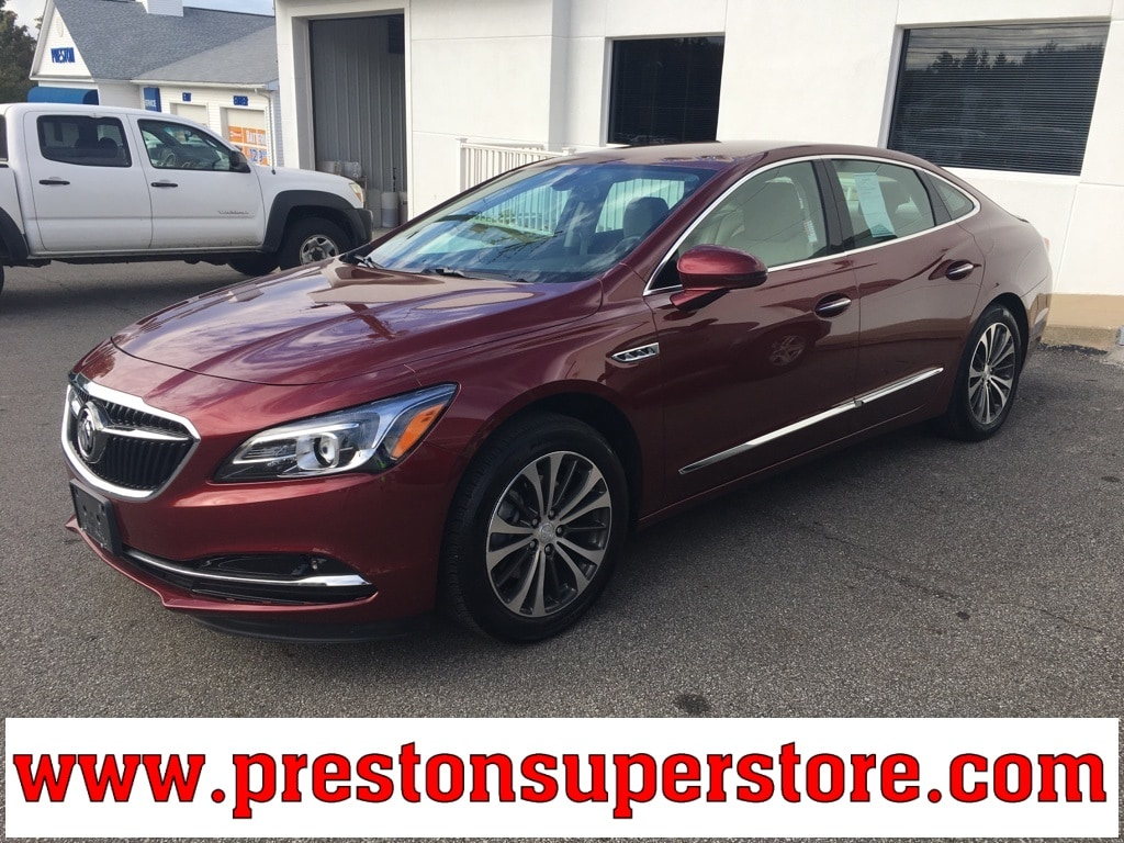 Photo Used 2017 Buick Lacrosse Preferred Sedan in Burton, OH