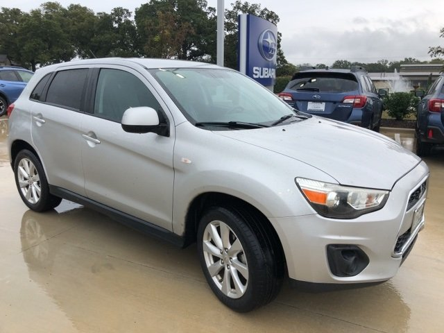 Photo Used 2013 Mitsubishi Outlander Sport ES For Sale Grapevine, TX