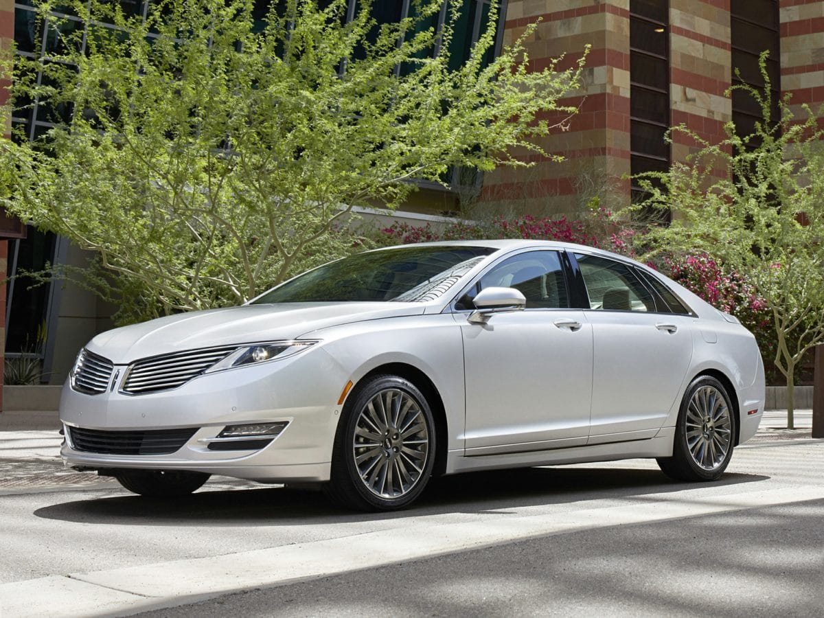 Photo Used 2015 Lincoln MKZ Hybrid in Cincinnati, OH