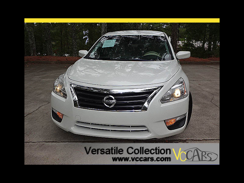 Photo 2015 Nissan Altima 2.5 S Sports Package Back Up Camera XM BT Alloys