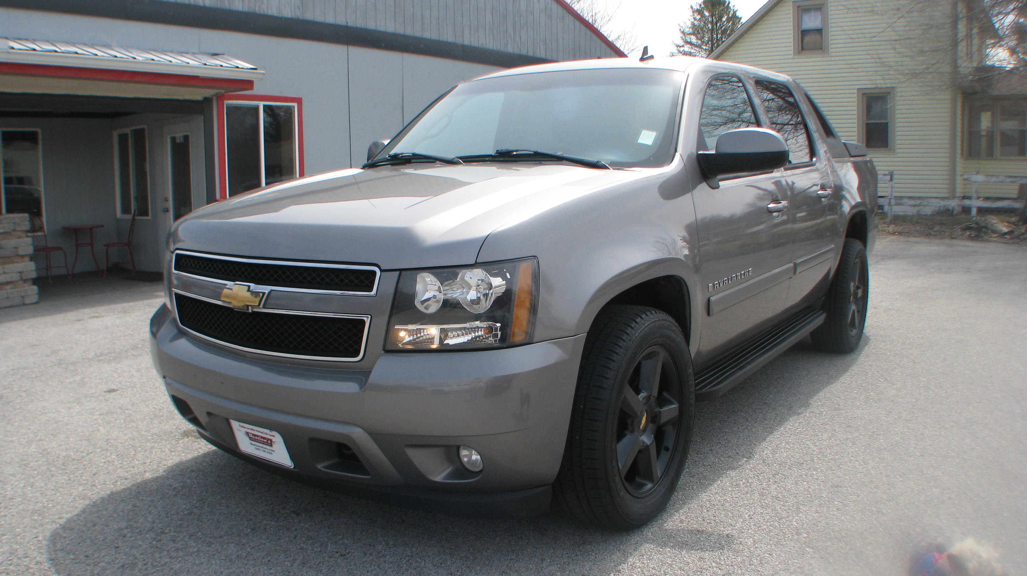 Photo Pre-Owned 2007 Chevrolet Avalanche 4d SUV 4WD LT Four Wheel Drive Short Bed