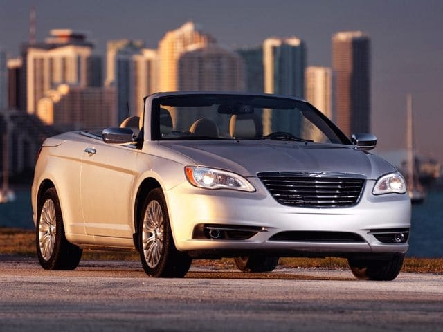 Photo Pre-Owned 2012 Chrysler 200 Touring Convertible in Dublin, CA
