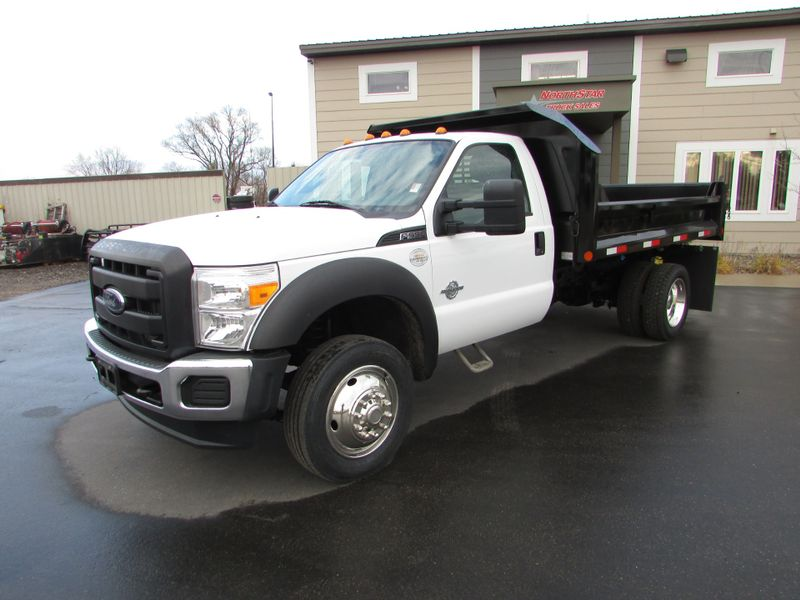 Photo Used 2014 Ford 2014 F-550 Dump Truck