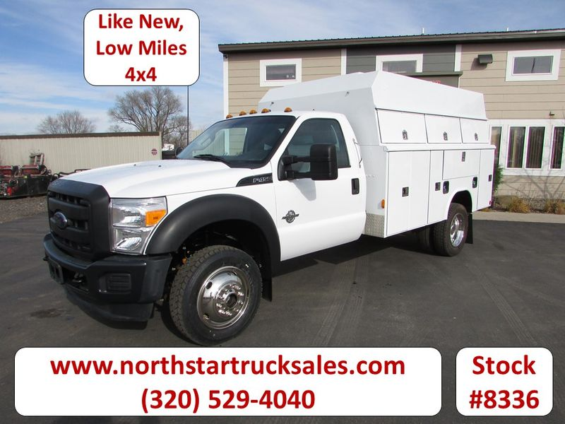 Photo Used 2014 Ford F-450 4x4 Service Utility Truck