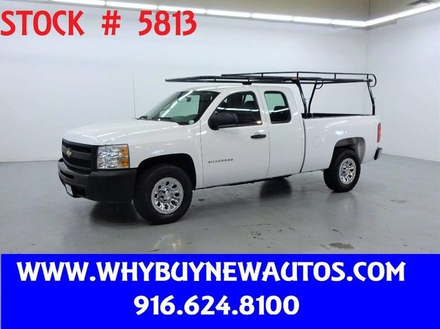 Photo 2011 Chevrolet Silverado 1500  Extended Cab  Only 46K Miles