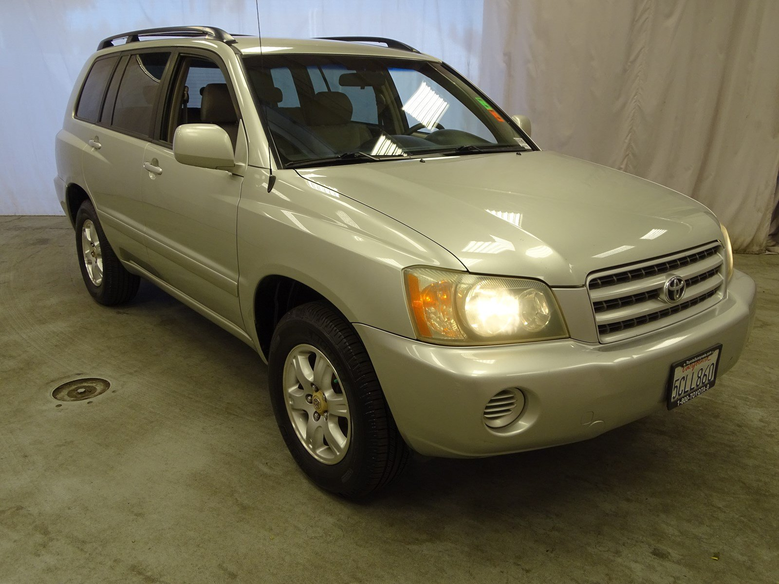 Photo Used 2003 Toyota Highlander Base For Sale in Sunnyvale, CA