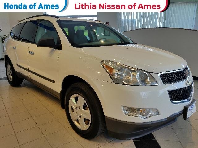 Photo Used 2009 Chevrolet Traverse FWD 4dr LS in Ames, IA