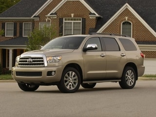 Photo Pre-Owned 2013 Toyota Sequoia SR5 Four Wheel Drive SUV