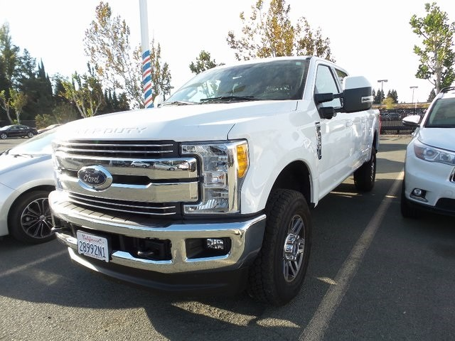 Photo Used 2017 Ford F-250 Truck Crew Cab in Fairfield CA
