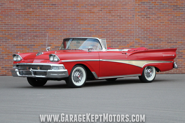 Photo 1958 Ford Fairlane 500 Sunliner
