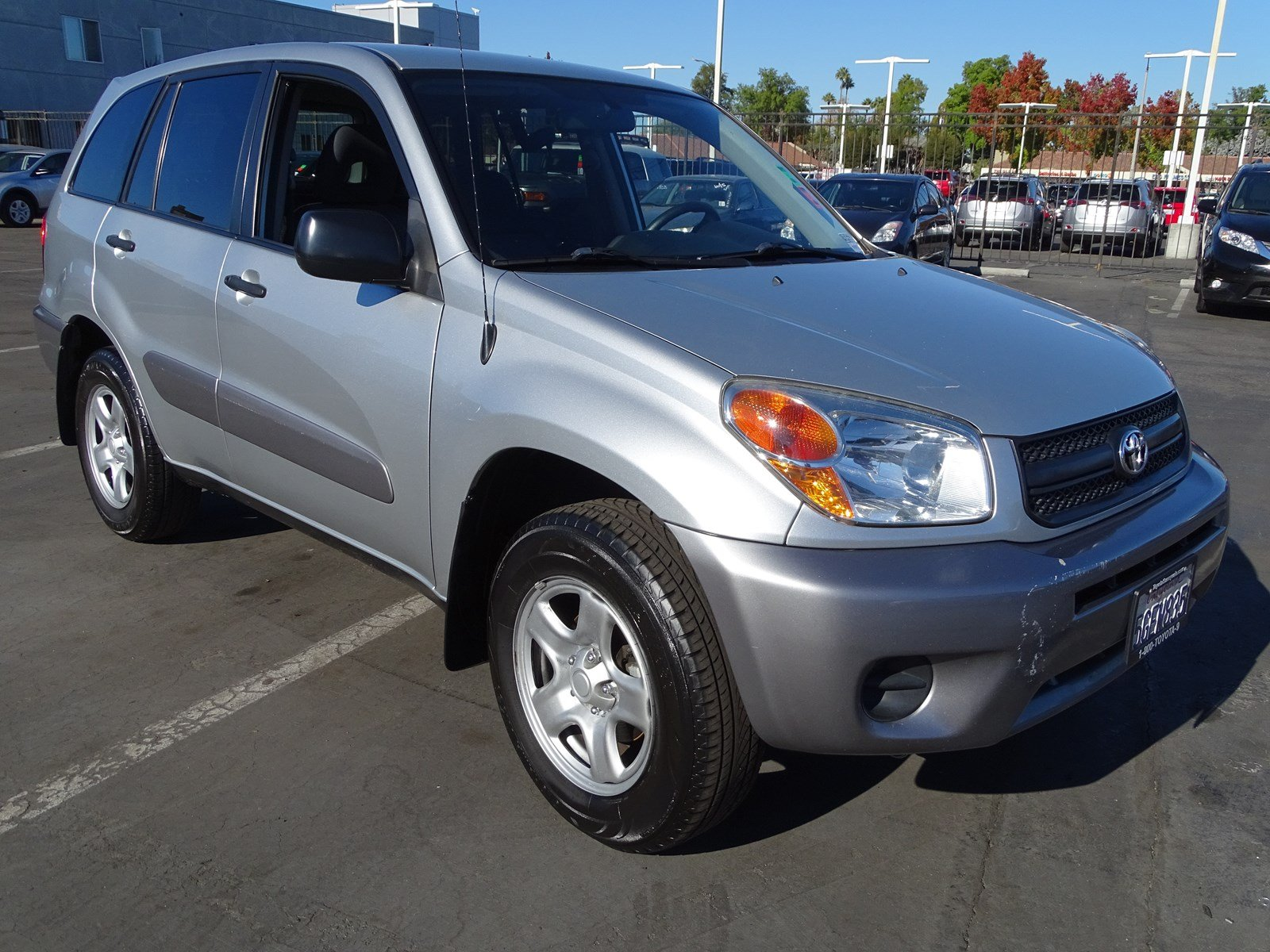 Photo Used 2004 Toyota RAV4 Base For Sale in Sunnyvale, CA