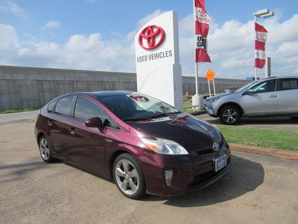Photo Used 2013 Toyota Prius Three Hatchback FWD For Sale in Houston