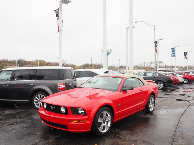 Photo Pre-Owned 2007 Ford Mustang GT Premium RWD 2D Convertible