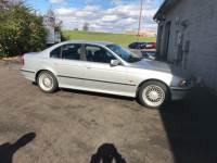 2000 BMW 528iA Sedan